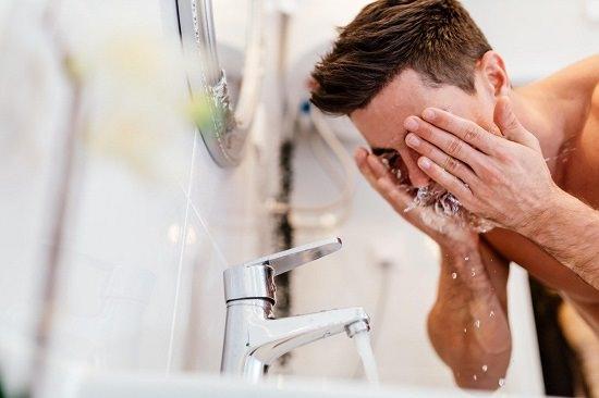 Natural Skin Care Tips for Men 1