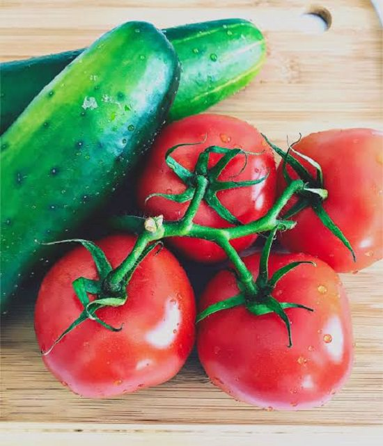 Tomato and cucumber mask