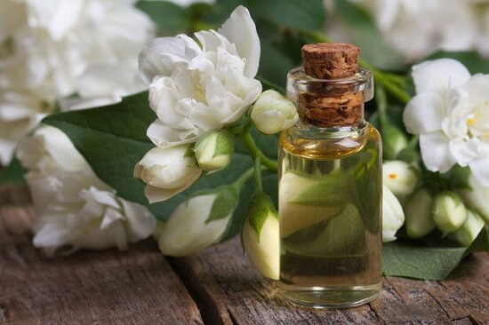 Best Essential Oils For Dry Skin This Winter5