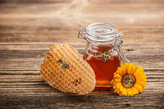 Castor oil Eggs and Honey for Hair Health1